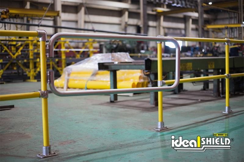 Ideal Shield's Steel Pipe & Plastic Handrail with Aluminum swinging gate