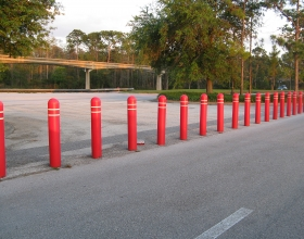 bollard_cover_red_amusement_park_Disney
