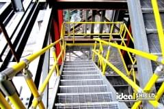 Handrail with Welded Flanges Bolted to Stringer