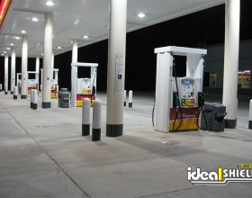 Shell Gas Station using multiple colors on bollard covers to create uniform look