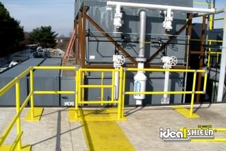 Yellow Roof Rail Fall Protection With Gate For Ladder