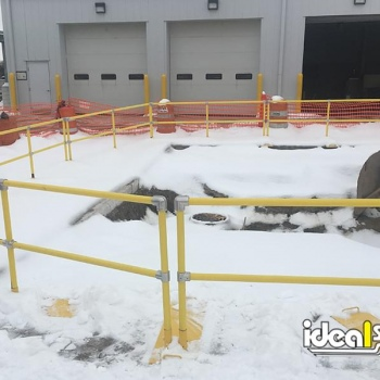 Ideal Shield's Roof Rail System used as Visual Barrier around Excavation Site
