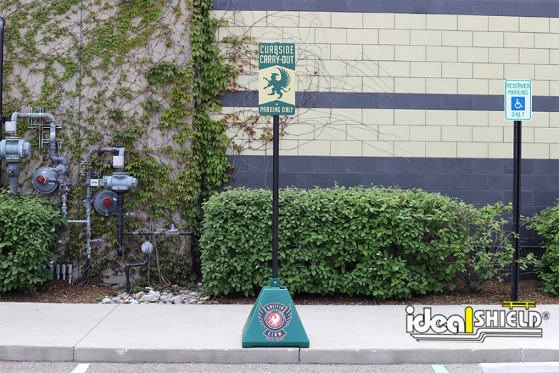 Ideal Shield's Pyramid Sign Base used for curbside pickup at Griffin Claw Brewery