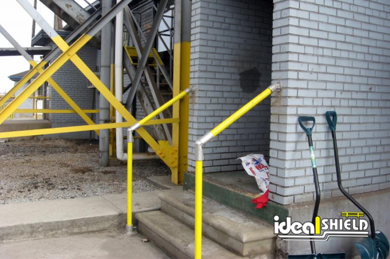 Ideal Shield's One-Line Steel Pipe & Plastic Handrail