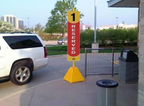 Sign_Base_Pyramid_Yellow_McDonalds_2